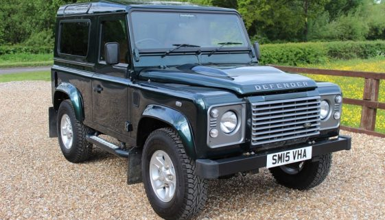 2015 15 DEFENDER TDCI XS STATION WAGON AINTREE GREEN