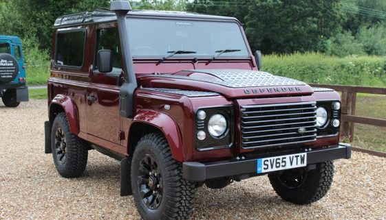 2015 65 DEFENDER 90 TDCI XS STATION WAGON MONTALCINO RED