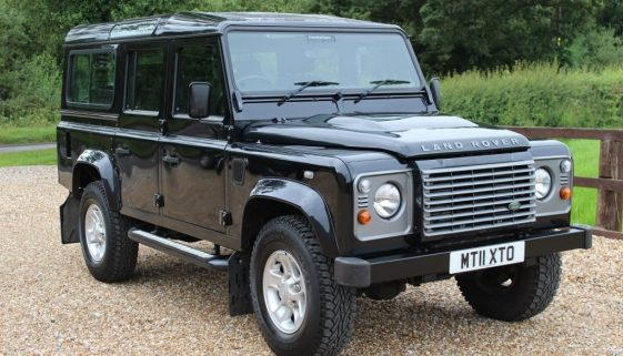 2011 11 DEFENDER 110 TDCI XS STATION WAGON SUMATRA BLACK