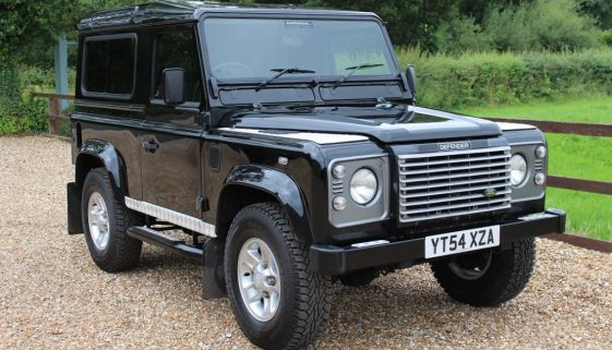 2004 54 DEFENDER 90 TD5 XS STATION WAGON JAVA BLACK