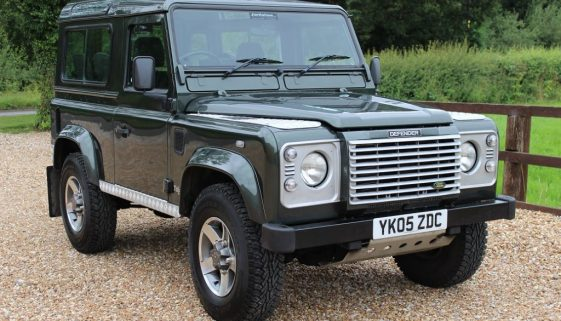 2005 05 DEFENDER 90 TD5 XS STATION WAGON TONGA GREEN