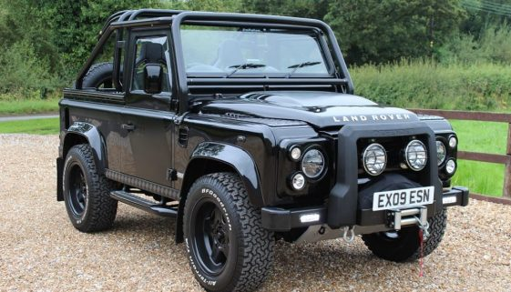 2009 09 DEFENDER 90 TDCI SVX SOFT TOP SANTORINI BLACK